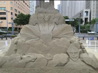 godzilla sandcastle3