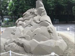 godzilla sandcastle4