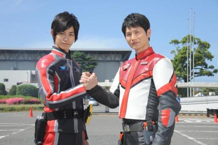 ultraman x and max